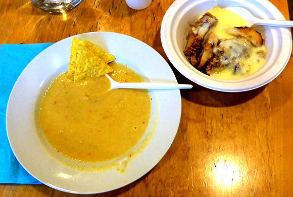 Kryddig majssoppa med äppelkaka till desert.